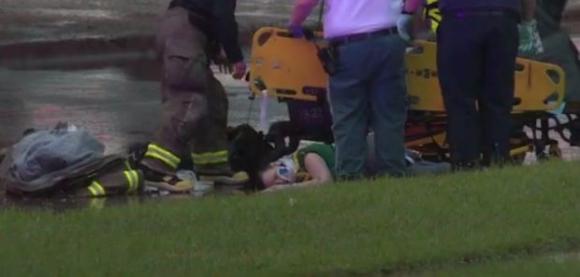 mẹ xả thân cứu con, bé sơ sinh sống sót kỳ diệu sau cú rơi từ độ cao hơn 10m