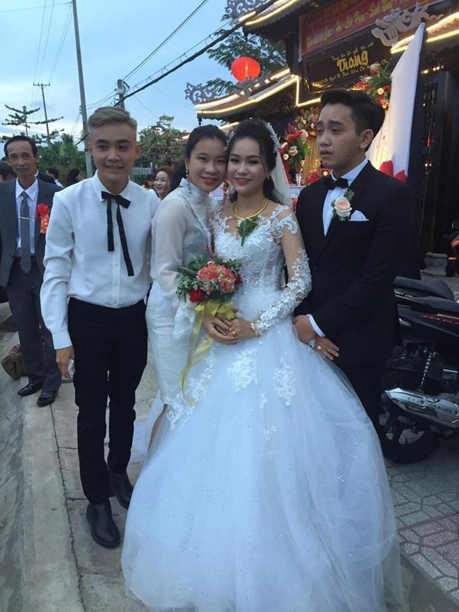 lạ đời chú rể khóc như mưa trong ngày cưới, chuyện là đời chủ rể khóc như mưa trong ngày cưới