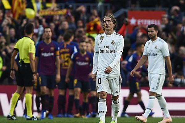 3 nguyên nhân chính dẫn đến thất bại tan nát của Real trước Barca