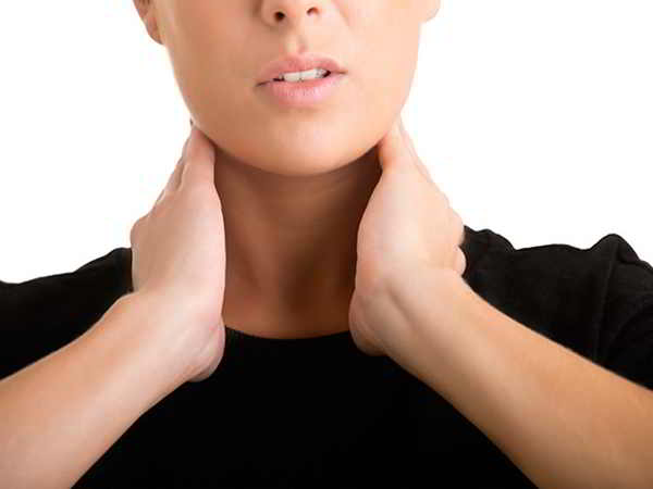 Những dấu hiệu mắc bệnh tuyến giáp hàng đầu bạn chớ bỏ qua