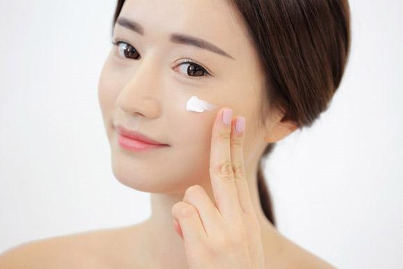Cách chăm sóc da mặt đúng chuẩn