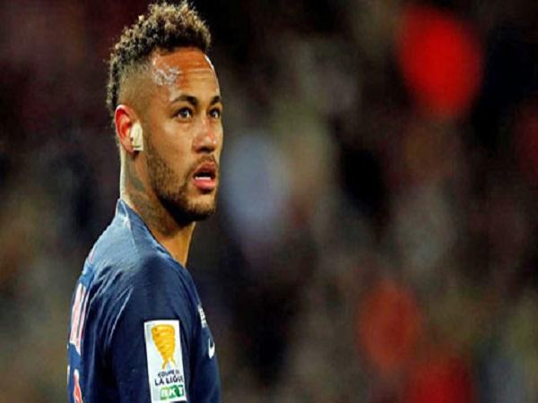 Neymar lạc lối trong 'hố đen PSG'