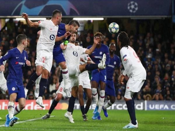 Chelsea giành vé đi tiếp tại C1