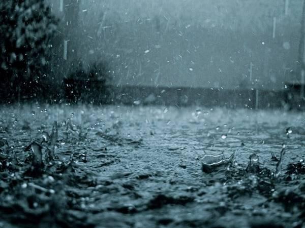 Nằm mơ thấy mưa là điềm gì? Đánh lô đề con nào?