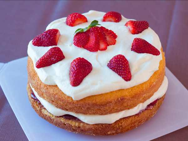 Mơ thấy bánh ngọt là điềm báo lành hay dữ?